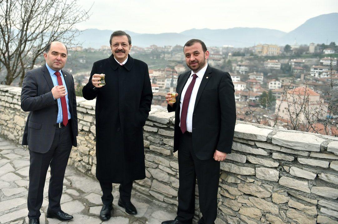 (Turkish) SN.HİSARCIKLIOĞLU DÜNYA MİRAS KENTİ SAFRANBOLU'YU GEZDİ